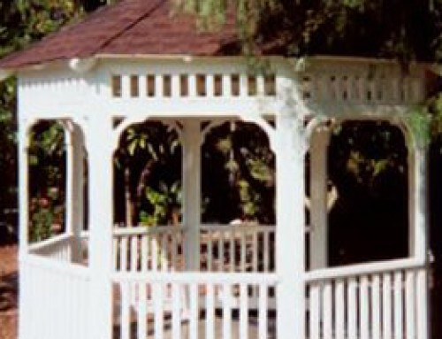 "Enjoy a ""Hickory"" roof on this 10′ Malibu Style Gazebo and get a 30 year warranty on the roof."